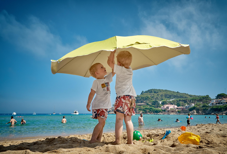 Wie Sie mit Verhaltensproblemen Ihrer Kinder im Sommerurlaub umgehen